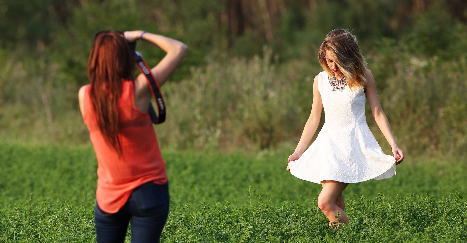 How To Get Gorgeous Light In Your Pictures Without A Flash Or Photography Assistants