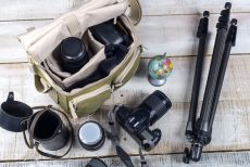 5 Crucial Items All Experienced Photographers Carry With Them Everywhere