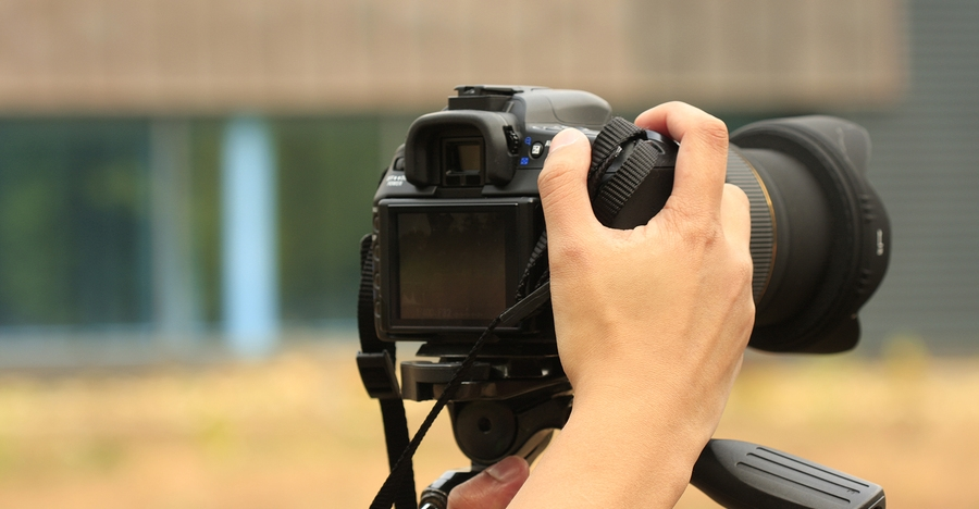 This Unbelievably Common Mistake Could Permanently Ruin Your Camera - Or Worse