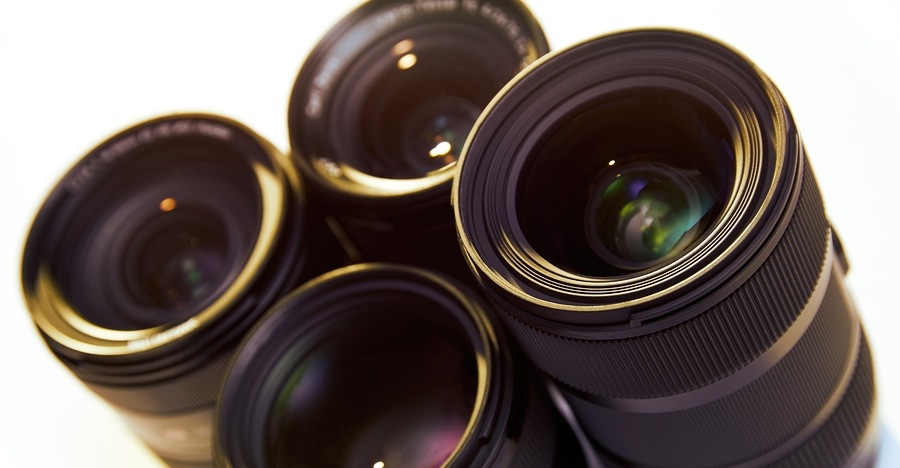 5 Overpowering Reasons Why You Should Get THIS Lens Before You Think Of Any Others