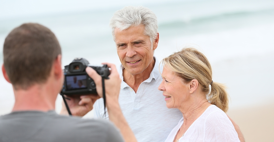How To Capture Genuine Moments When Photographing Couples