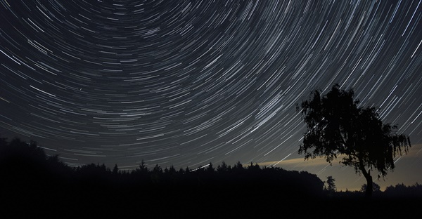 How to Improve Your Night Sky Images With This Simple Tool